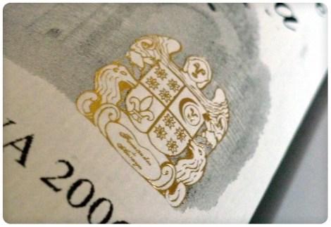 Escudo de la Bodega Fernández de Arcaya.