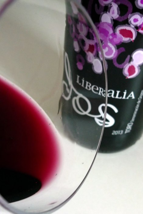 El color de Liberalia Dos en la copa.