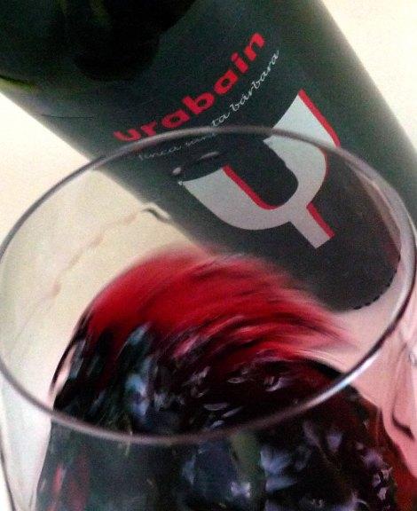 Oxigenando el vino.