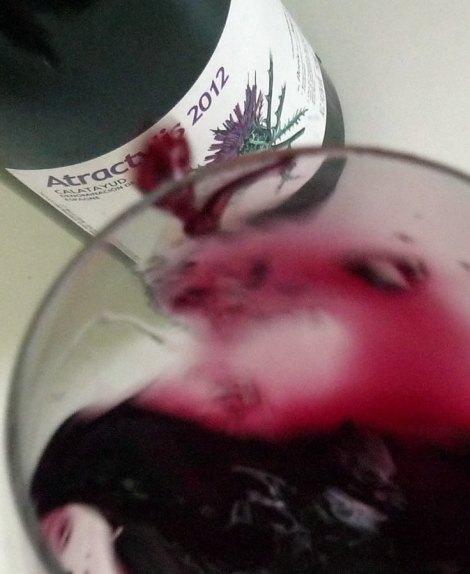 Moviendo el vino.