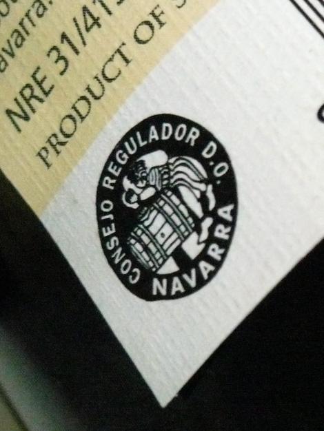 Detalle del etiquetado de Beramendi con el antiguo sello de la D.O. Navarra.