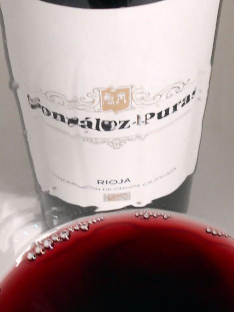 La lágrima del vino González Puras Crianza.