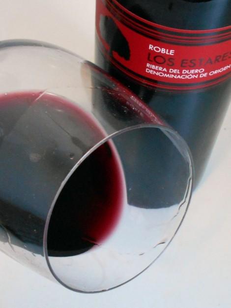 Los Estares Tinto Roble en la copa.