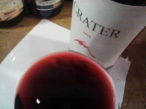 Detalle del vino Cráter en la copa.