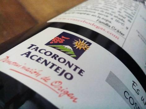 Sello de la D.O. Tacoronte Acentejo en la botella de Cráter.