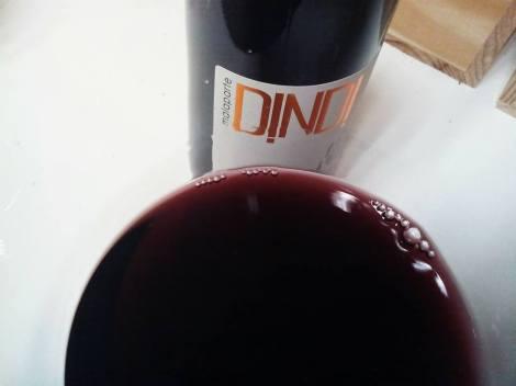El vino Malaparte Dindi en la copa.