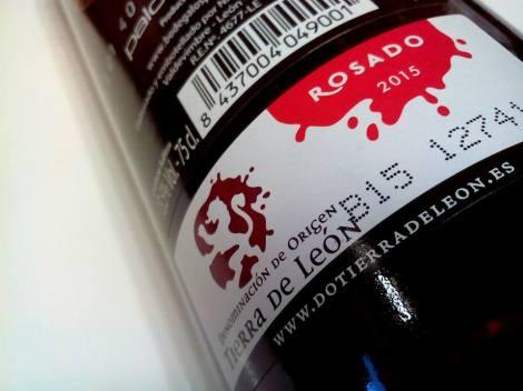 Sello de la D.O. León en la botella de 3 Palomares Rosado 2015.