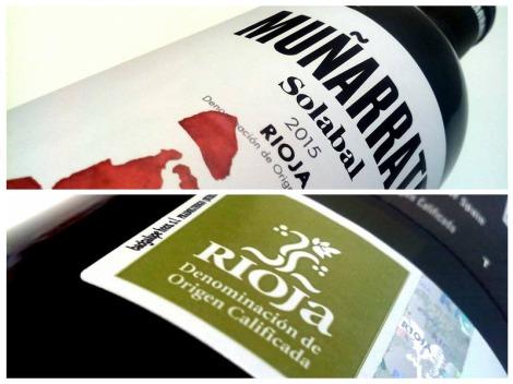 Detalles del etiquetado del vino Muñarrate Tinto.