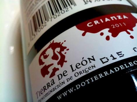 Sello de la D.O. Tierra de León en la botella de Carroleón Prieto Picudo 2011.