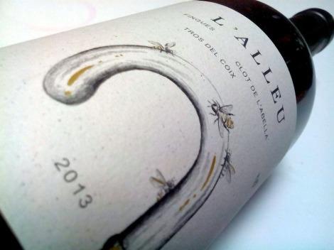 Etiquetado del vino L´Alleu 2013.