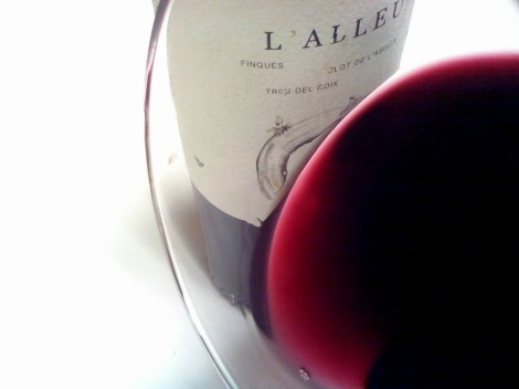 Detalle del vino L´Alleu 2013 en la copa.