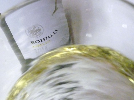 Oxigenando el vino Bohigas Xarel·lo.
