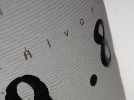 "Detalle del "".8"" en la botella de Ledo.8 Crianza."