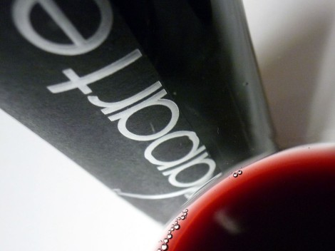Detalle del color del vino Malaparte 2009.
