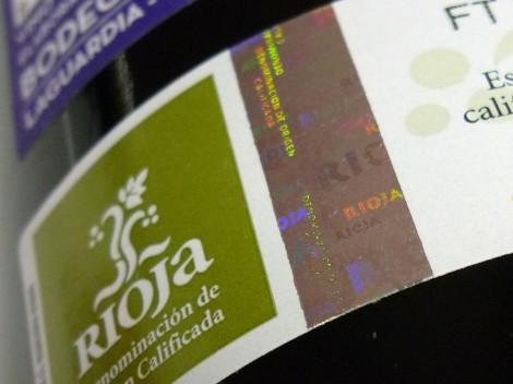 Sello de la D.O.Ca. Rioja en la botella de Recoveco Maceración Carbónica.