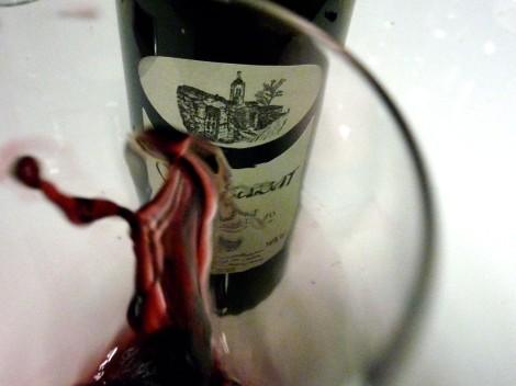 Tonalidades del color del vino Vegazar Crianza.