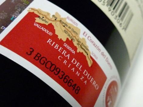 El sello de la D.O. Ribera del Duero en la botella Vegazar Crianza.