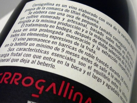 Detalle de la contra-etiqueta del vino Cerrogallina 2013.