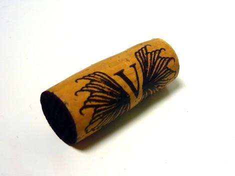 El tapón de corcho del vino Vala de Solabal 2010.