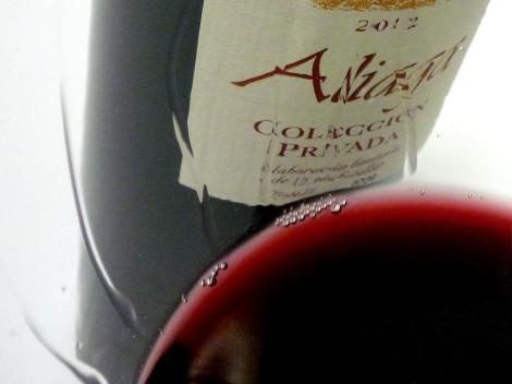 La lágrima del vino Aliaga Colección Privada 2012.