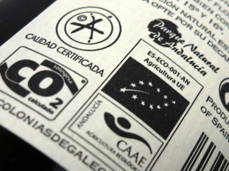 Sellos en la botella de vino Colonias de Galeón Roble 2013.