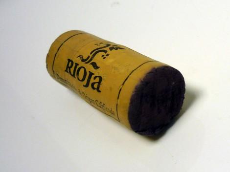 El tapón del corcho del vino Horola Tempranillo 2014.