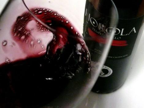 Oxigenando el vino Horola Tempranillo 2014 en la copa.