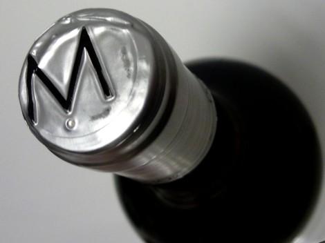 Detalle de la cápsula del vino Las Lomas Blanco 2014.