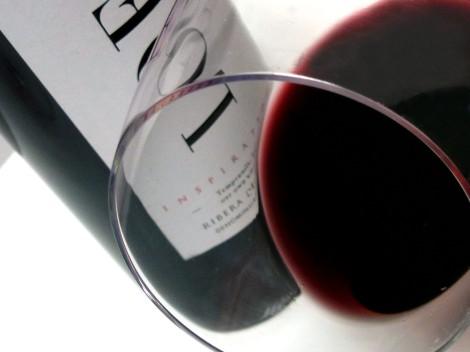 Detalle del vino Loess Inspiration 2013 en la copa.