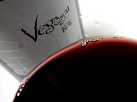 Detalle de la lágrima del vino Vegazar Tinto Roble.