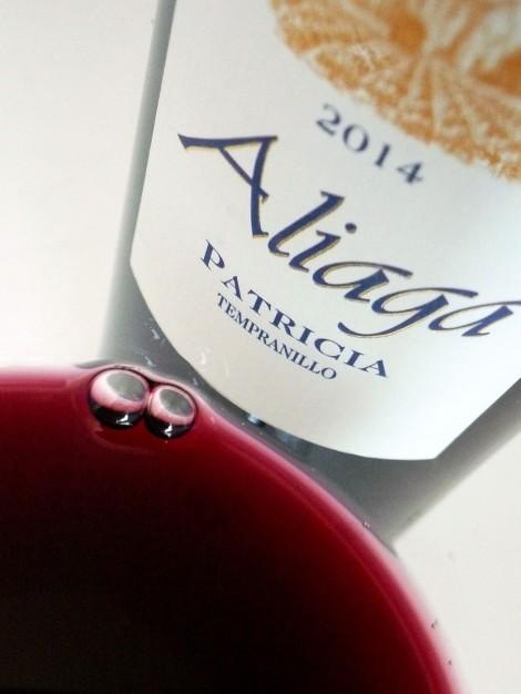 Detalle del color del vino Aliaga Patricia 2014.