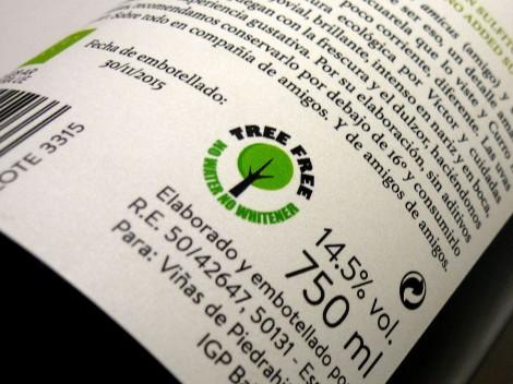 Detalle de la contra-etiqueta del vino Amice Masatrigos Garnacha.