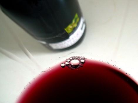 Detalle de la lágrima del vino Colonias de Galeón Maceración Carbónica.