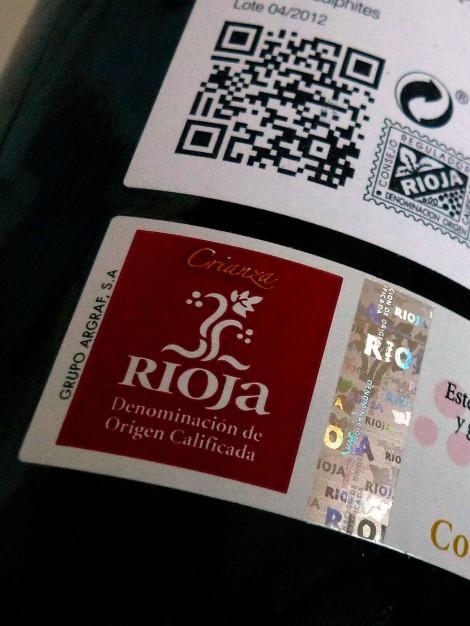 "Sello ""Crianza"" de la D.O.Ca. Rioja en la botella."