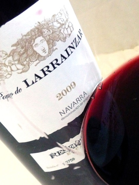 Detalle de la lágrima del vino Pago de Larrainzar Reserva Especial 2009.