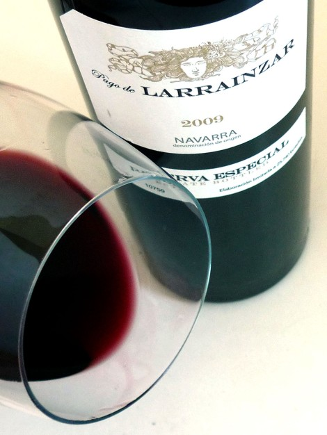 Detalle del ribete del vino Pago de Larrainzar Reserva Especial 2009.