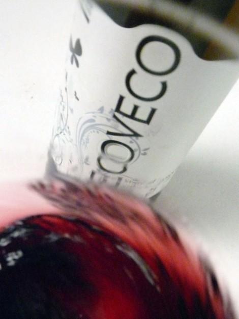 Tonalidades de color del vino al moverlo en la copa.