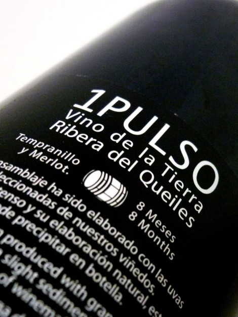 Contra-etiqueta del vino 1 Pulso 2011.