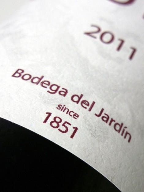 Detalle de la etiqueta del vino 1 Pulso 2011.