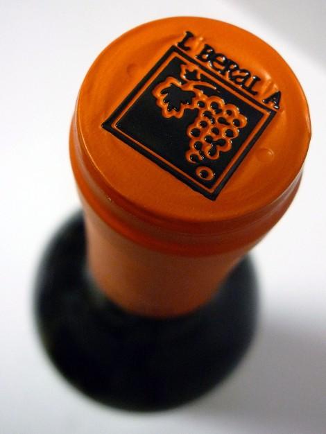 Detalle de la cápsula del vino Liberalia 3.