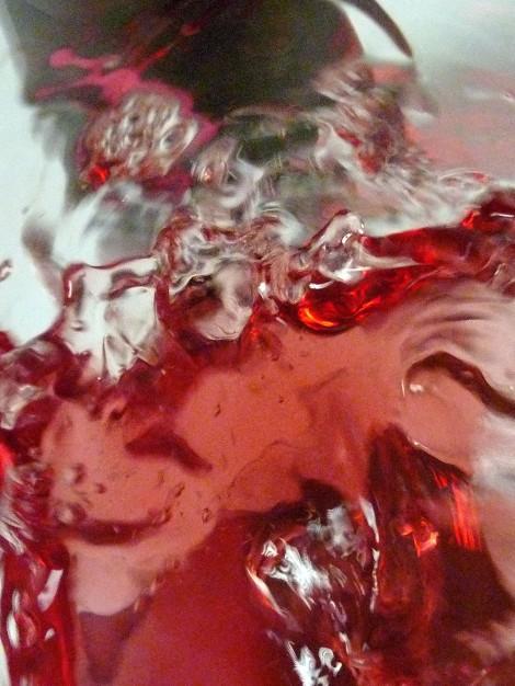 Tonos de color del vino al ser movido en la copa.