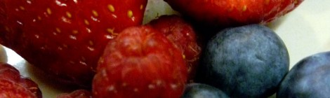 Fresas, frambuesas y arándanos.