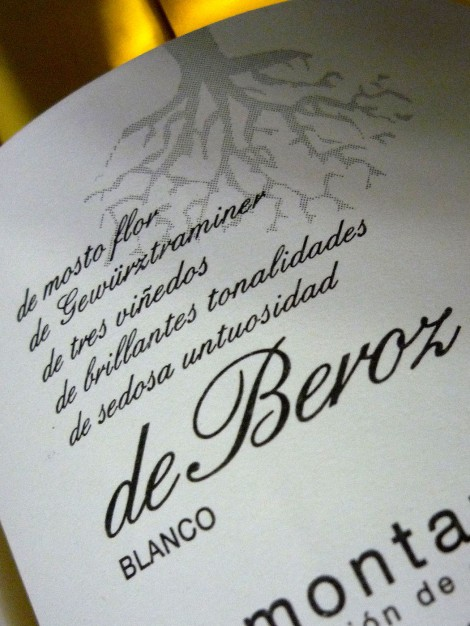 Detalle de la contra-etiqueta del vino De Beroz Esencia de Gewürz.
