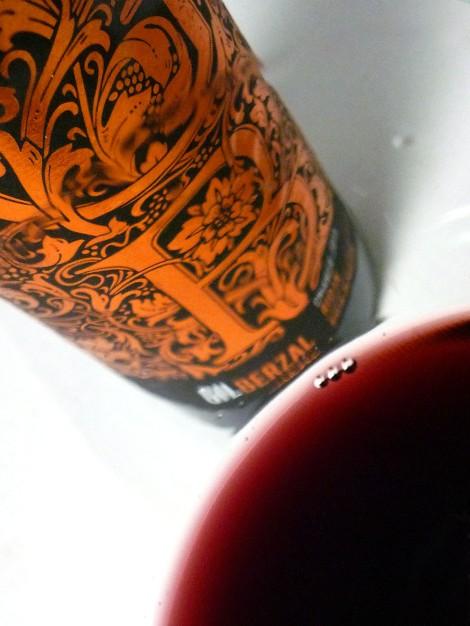 El vino Gil Berzal Crianza en la copa.