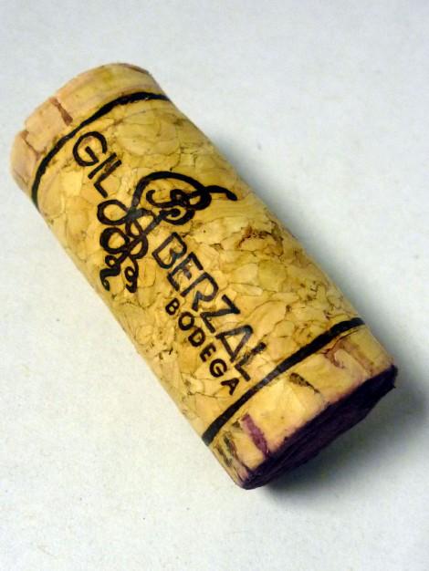 El tapón de corcho del vino Gil Berzal Crianza.