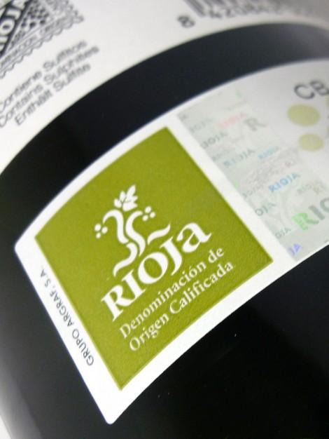 Sello de la D.OCa. Rioja en la botella de Lar de Paula Madurado en Bodega.