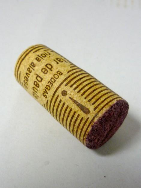 Tapón de corcho del vino Lar de Paula Madurado en Bodega.
