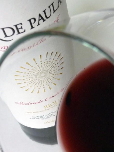 Detalle del vino Lar de Paula Madurado en la copa.