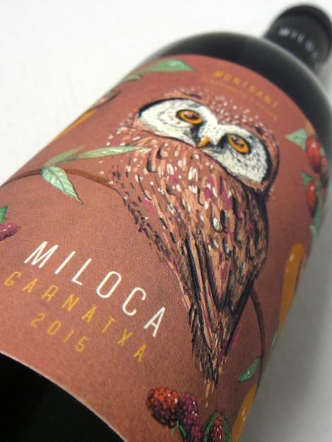 El etiquetado de la botella de Miloca Garnatxa.