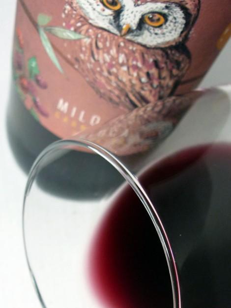 Detalle del ribete del vino Miloca Garnatxa.
